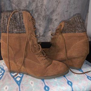 women boots size 9.5